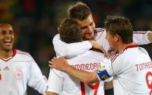 La selección danesa celebra un gol.