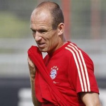 Robben es maltratado por la hinchada del Bayern